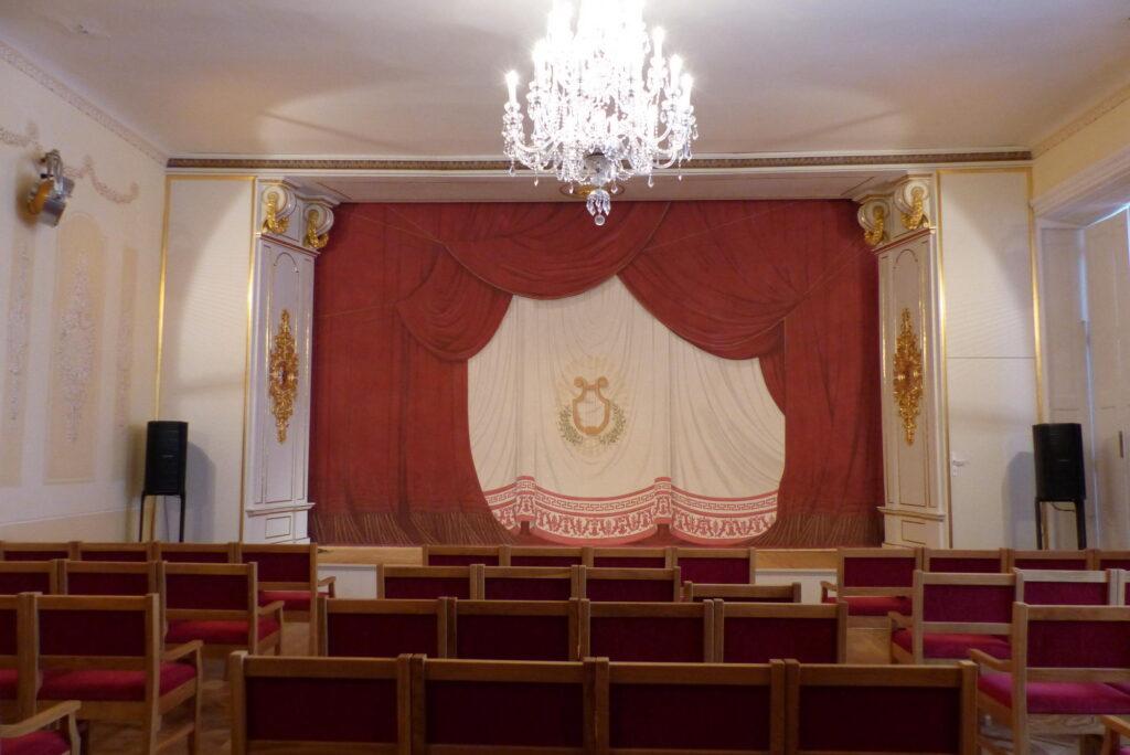 Zámecké divadlo v Nových Hradech. Stav po rekonstrukci v roce 2018